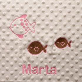 Manta Bordada con Pececitos.